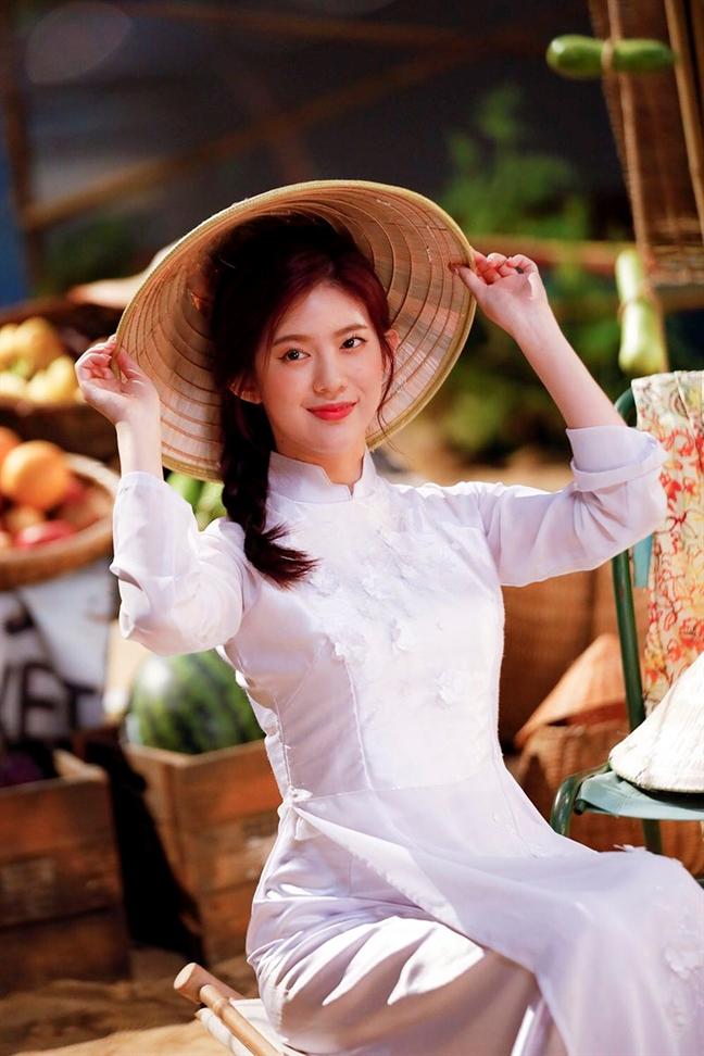 Sao Han lien tiep dien ao dai Viet Nam cho nhung dip trong dai