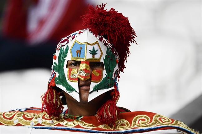 15 kieu hoa trang 'ron nguoi' cua nguoi ham mo World Cup 2018
