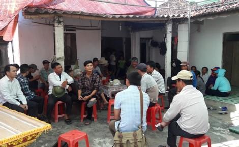 Vụ lật xe chở công nhân ở Lào: Tang thương nơi xã nghèo