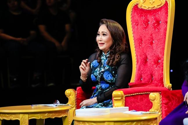 Thanh Hang nghen ngao: 'Hang dem van di hat cho nhung doan lo to'