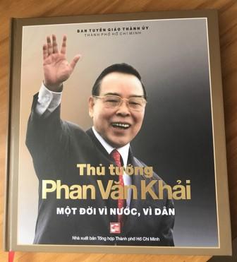 Ra mắt sách ảnh 'Thủ tướng Phan Văn Khải một đời vì nước, vì dân'