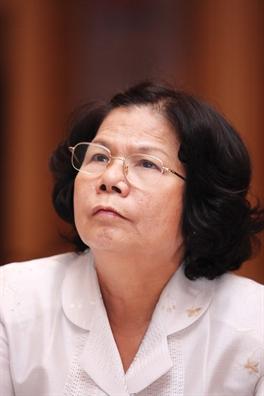 Tro chuyen voi nha bao Vu Kim Hanh: Van miet mai tren duong cung hang Viet...