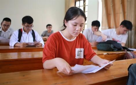 Hơn 60 thí sinh Nghệ An vắng môn thi THPT quốc gia đầu tiên