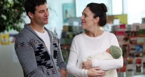 Các 'mẹ bỉm sữa' có nên học theo nữ Thủ tướng New Zealand?