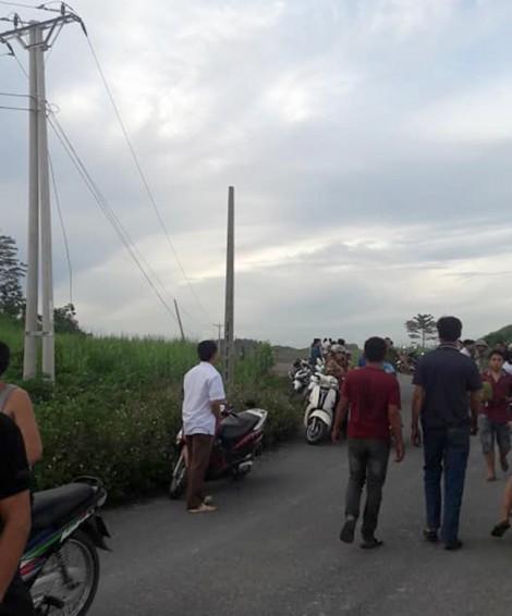 Bốn người bị điện giật chết khi đang trồng cột điện