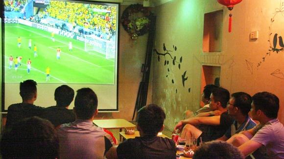 Dung de 'nhiet' World Cup 'thieu dot' tinh cam vo chong