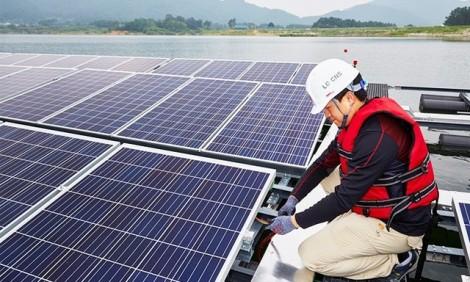 Lắp pin mặt trời, điện nửa xài nửa bán?