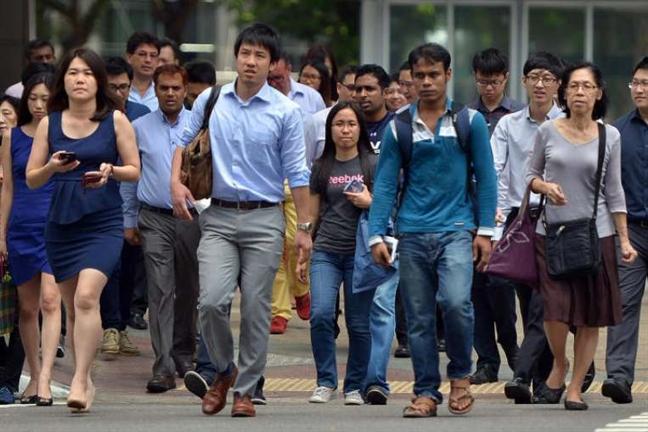Chinh phu Singapore tang 740 trieu USD cho nguoi dan