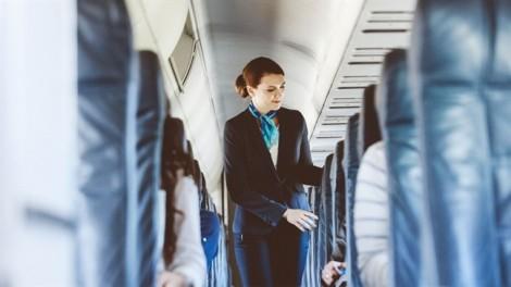 Tại sao tiếp viên hàng không dễ bị ung thư hơn?