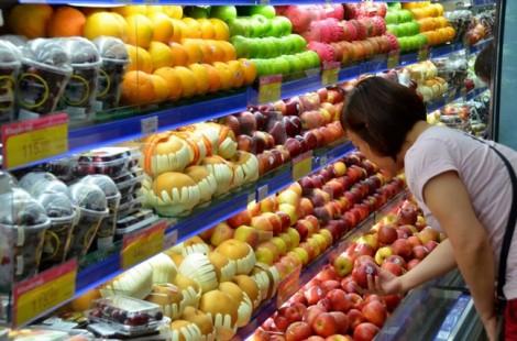 Trái cây ngoại giá rẻ thách thức trái cây nội cạnh tranh