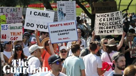 Nước Mỹ xuống đường phản đối chính sách gây tranh cãi của Tổng thống Trump