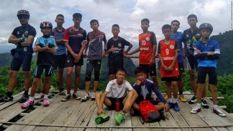 Giải cứu 12 học sinh Thái Lan mất tích: Phép màu không tới, hy vọng cạn dần