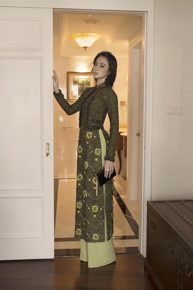 Angela Phuong Trinh va 7 mau ao dai cho nang yeu ve dep co dien