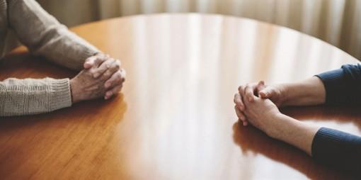 Bố mẹ chồng có được quyền can thiệp vào việc ly hôn?