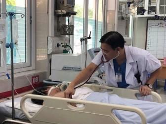 Tìm người nhà cho bệnh nhân hôn mê nghi sốc nhiệt do Hà Nội quá nóng