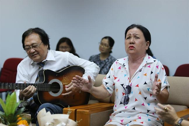 Gap go the he nghe si vang cua san khau cai luong