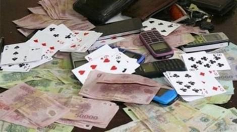 Chồng vay tiền đánh bạc, vợ có phải trả nợ thay?