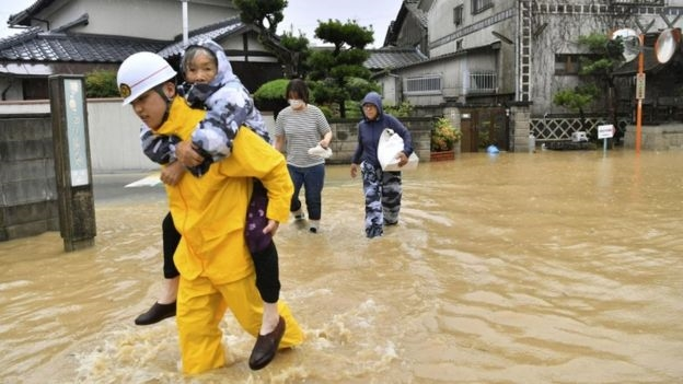 Nhat Ban: Lu lon lam 41 nguoi chet, 2 trieu nguoi phai di tan