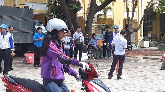 Binh Thanh: Tuyen truyen ve an toan giao thong cho phu huynh hoc sinh
