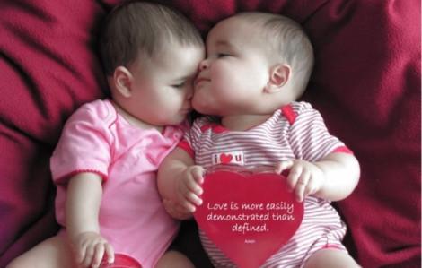 Ngộ nghĩnh cách các bé thổ lộ tình yêu