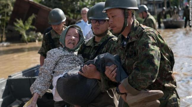 Lu 'lich su' tai Nhat: Hy vong song sot mong manh giua bien nuoc