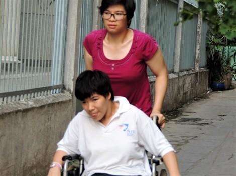 Cặp song sinh 20 năm tật nguyền cơ nhỡ mong gặp lại mẹ để nói: Con của mẹ vẫn sống tốt
