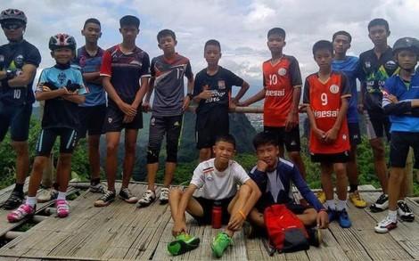 Toàn bộ đội bóng đá thiếu niên Thái Lan và HLV được giải cứu bằng nỗ lực thần kỳ