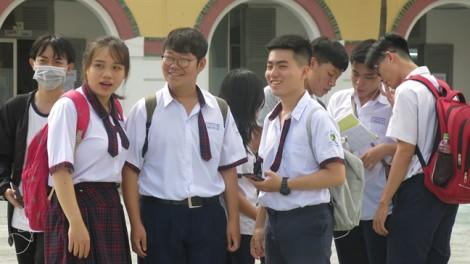 Mỗi năm TPHCM 'gánh' thêm 15.000 học sinh không có hộ khẩu