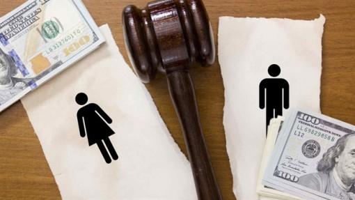 Trước khi ly hôn chồng đề nghị sang tên nhà chung, có nên không?