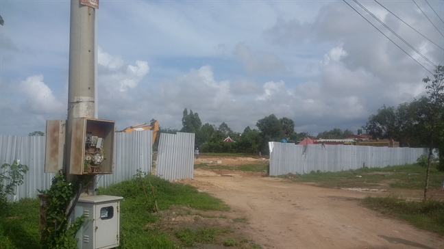 Ba Ria - Vung Tau: Ruong muoi tan hoang vi sot dat