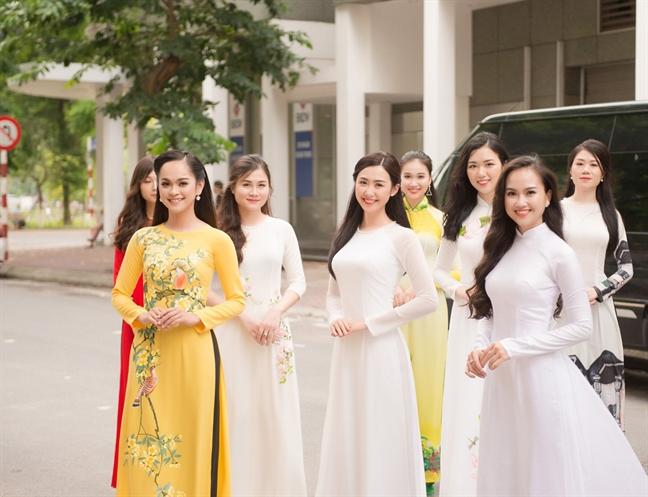 Chuyen 'Hoa hau Viet Nam' co thi sinh sap lam tien si