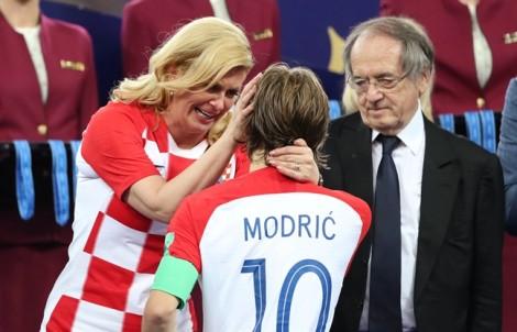 Tổng thống Croatia - quý bà được yêu thích nhất sau trận chung kết World Cup 2018