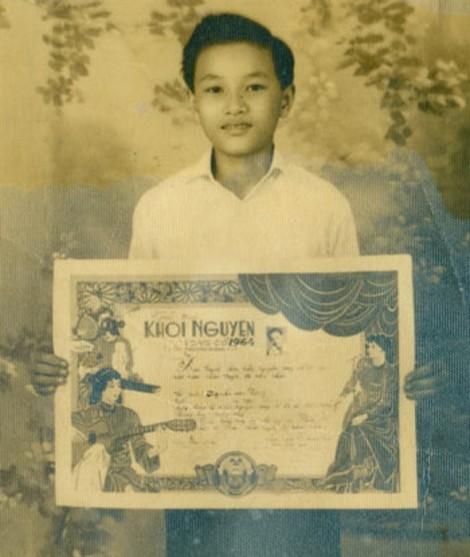 NSƯT Minh Vương -  Hơn nửa thế kỷ, tằm vẫn vương tơ