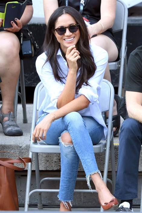 Diện quần jeans đẹp như công nương Meghan