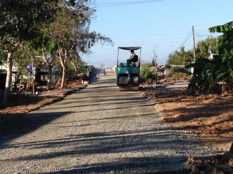 Nhà thầu ứng 1,8 tỷ đồng tiền làm đường rồi bỏ trốn