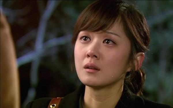 Chong cu co vo moi nhung van khong buong tha me con toi