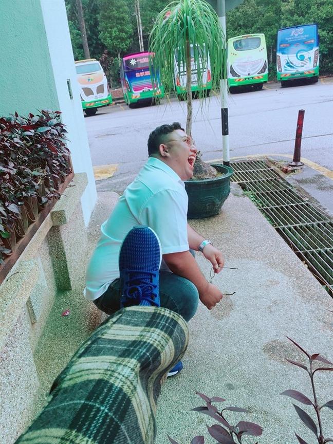 Chuyen tinh lang man, hai huoc dang sau loat anh tao kieu toc 'ba dao' cho chong beo
