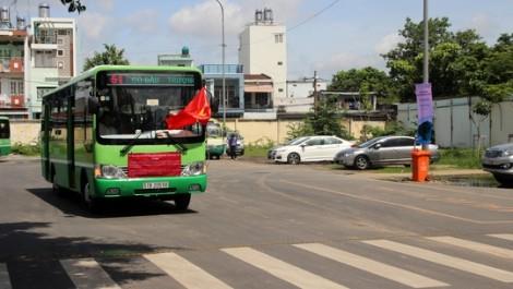 Chủ xe buýt chỉ nhận 5 triệu đồng/tháng do phải trả lãi ngân hàng