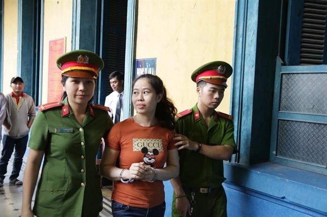 Giam an cho hai chi em buon lau gan 400 luong vang tu Campuchia ve Viet Nam