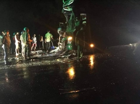 Tai nạn giữa hai xe khách lúc nửa đêm, 24 người bị thương