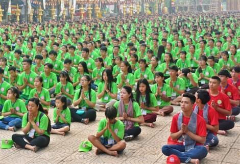 4.000 bạn trẻ từ 6 tỉnh miền Đông cùng tĩnh tọa đọc kinh