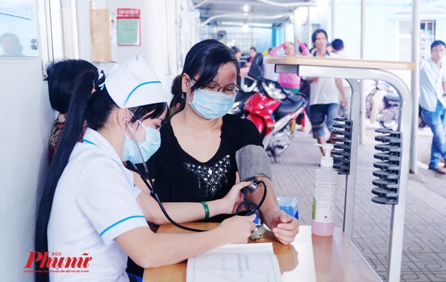 Nguoi Viet dung thuoc chua nguyen lieu Trung Quoc gay ung thu tu nam 2015?