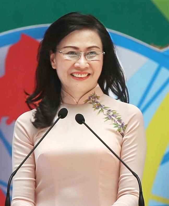 Pho chu tich UBND thanh pho Nguyen Thi Thu: Loai bo han 'dieu kien' gui gam, quen biet