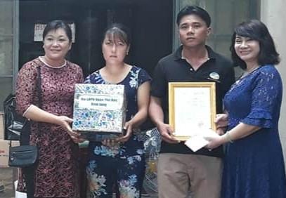 Q.Thu Duc: Tang mai am tinh thuong cho phu nu ngheo tinh Binh Phuoc