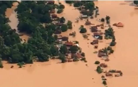 Lào: Làng mạc chìm trong nước lũ sau khi vỡ đập thủy điện