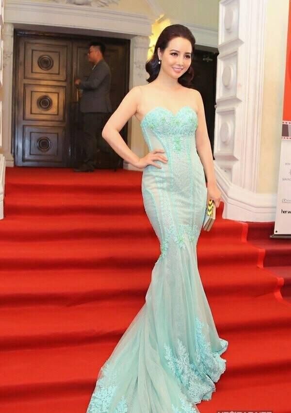 Mai Thu Huyen lot top sao xau vi lo vong eo 'banh mi'