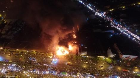Cháy lớn ở Hưng Yên, gần trăm người chống chọi với biển lửa trong đêm