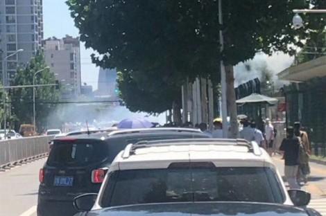 Nổ lớn ngoài đại sứ quán Mỹ tại Bắc Kinh