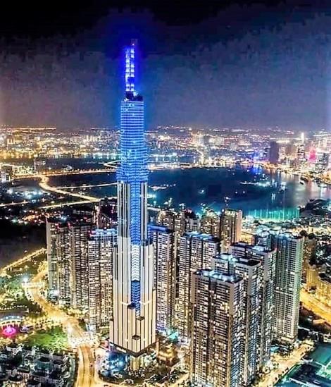 Cận cảnh tòa tháp cao nhất Việt Nam Landmark 81 chính thức đi vào hoạt động