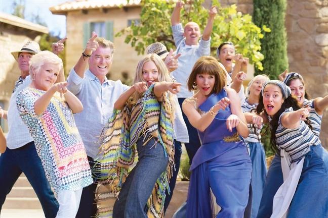Mui gio bien duom nong tu 'Mamma Mia 2'